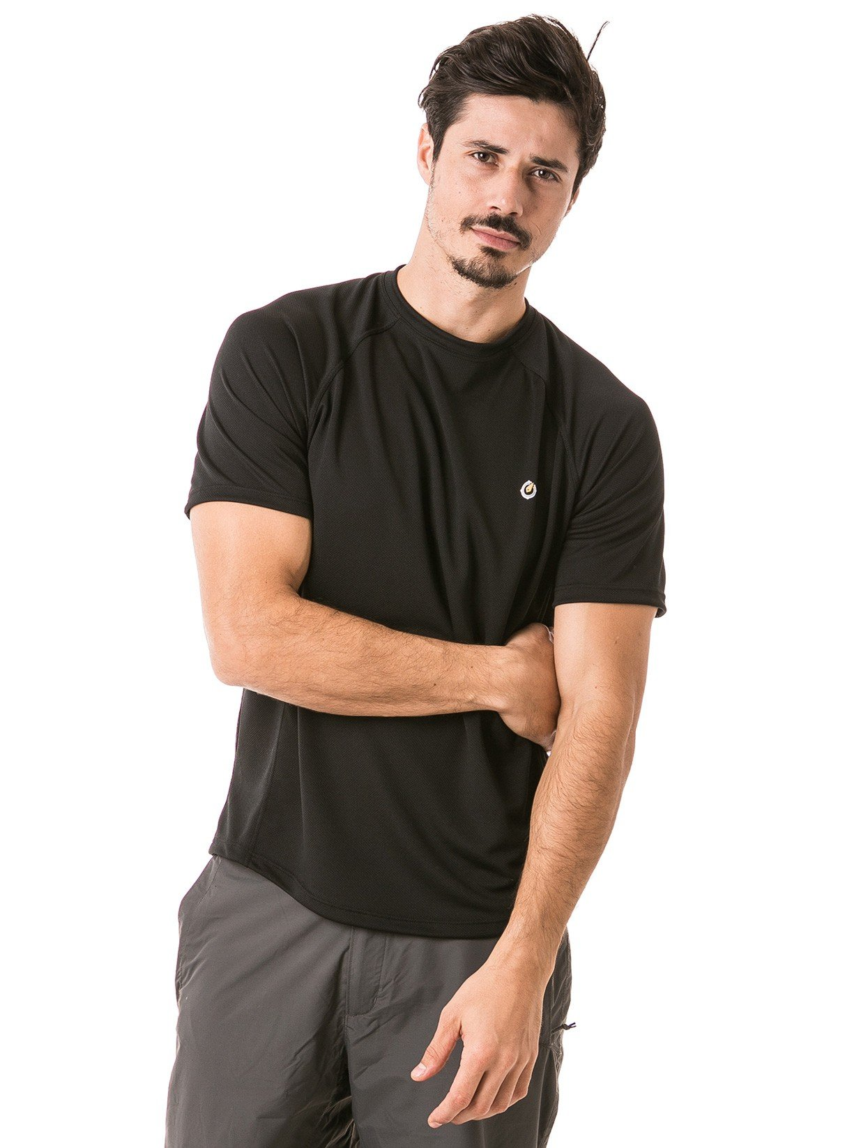 camisa masculina raglan gola redonda curta dry preta frente b