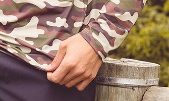 masculina camuflada militar t shirt