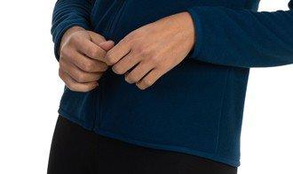 detalhe casaco fleece feminino
